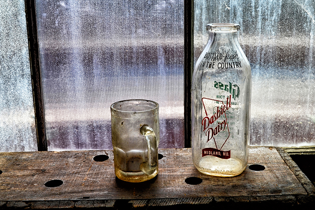 8_DashiellDairyBottle_DSC_3847c