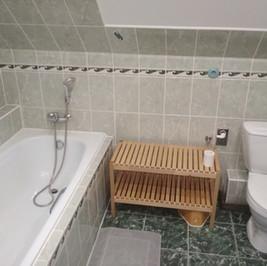 Chalupa pro děti baráček horní koupelna.