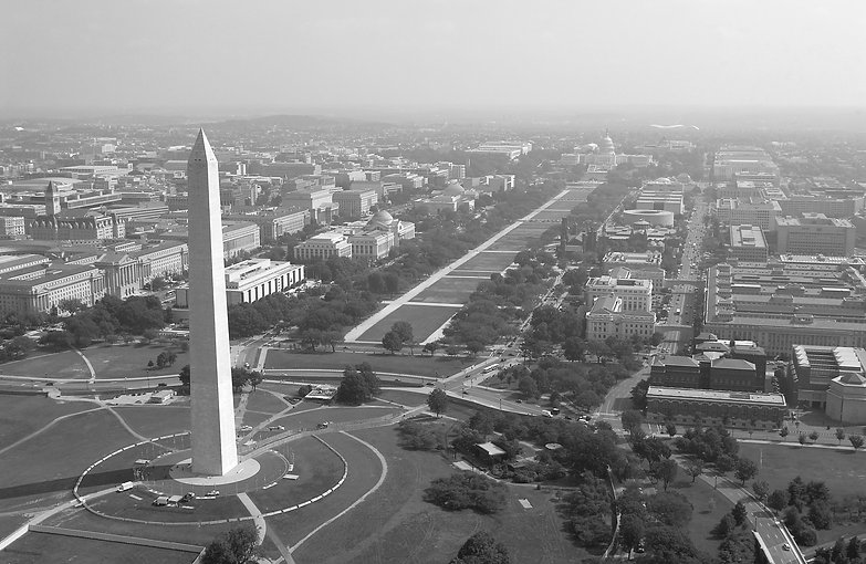 US_Navy_030926-F-2828D-307_Aerial_view_of_the_Washington_Monument_edited.jpg