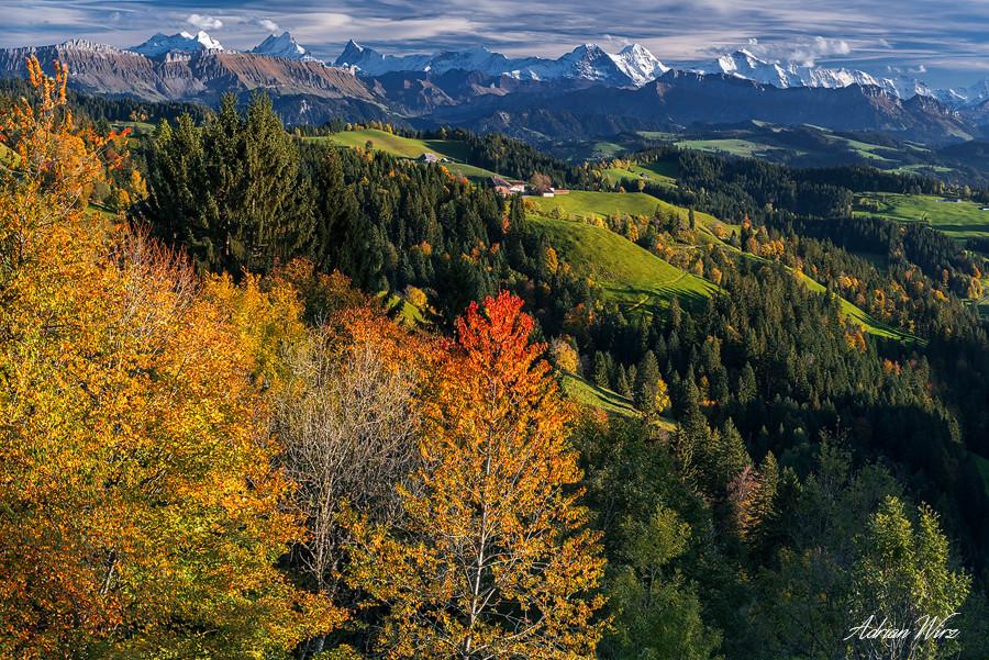 Lüderenalp im Emmental mit Blick zu Eiger, Mönch und Jungfrau
