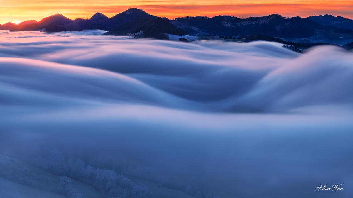 Nebelwelle im Schweizer Jura