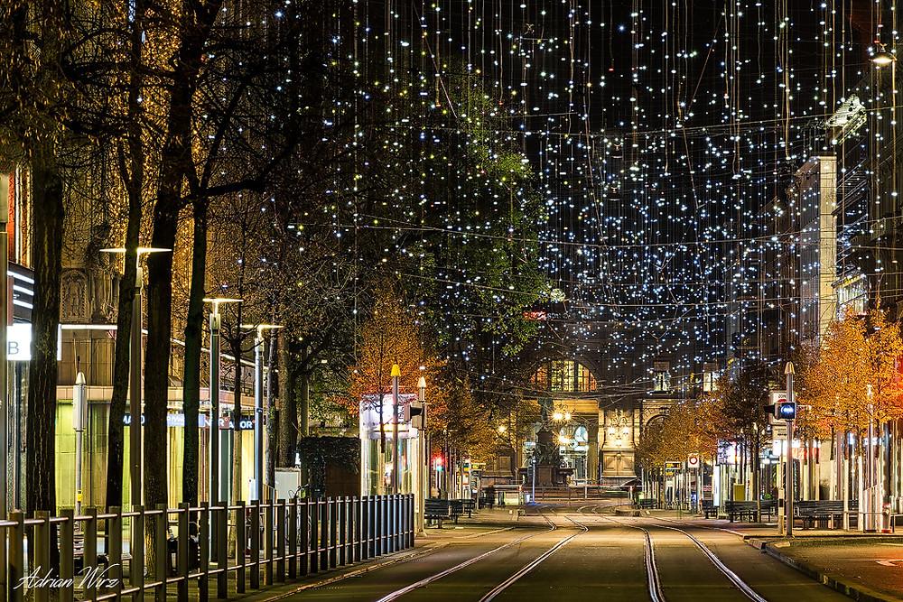Weihnachtsbeleuchtung Lucy in Zürich