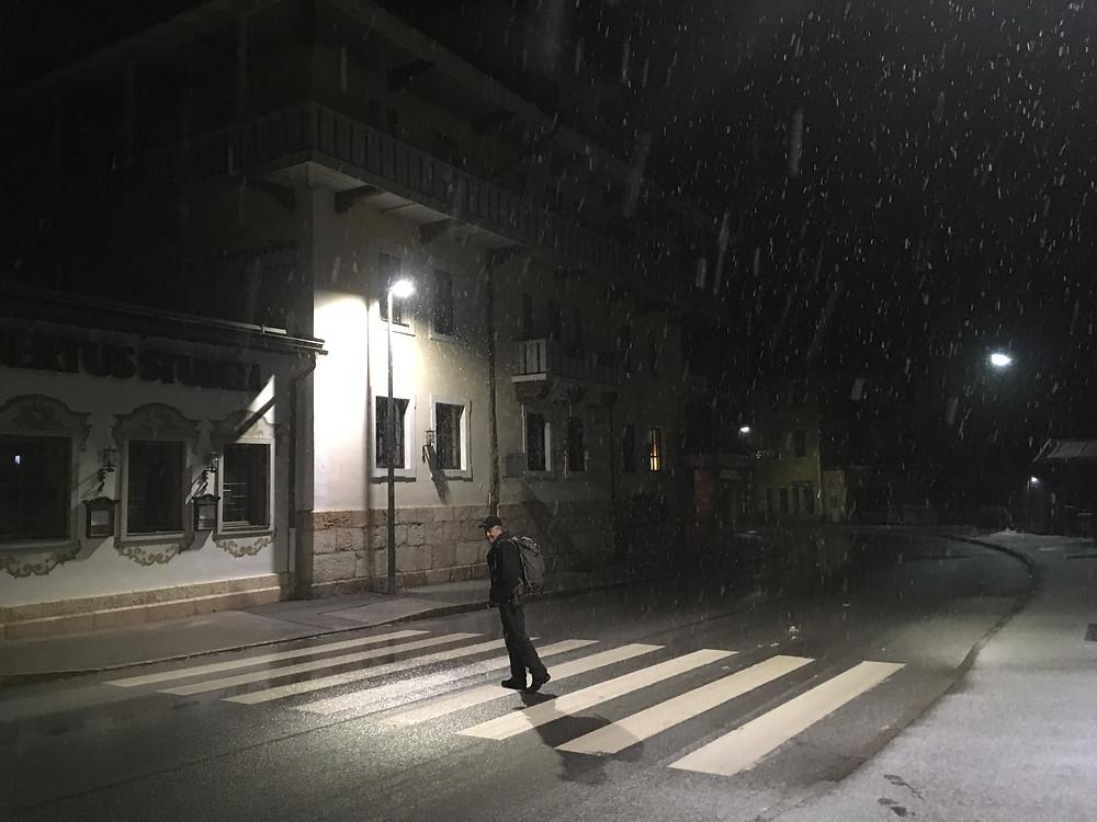 Morgens um 3 Uhr vor dem Hotel in Berchtesgaden