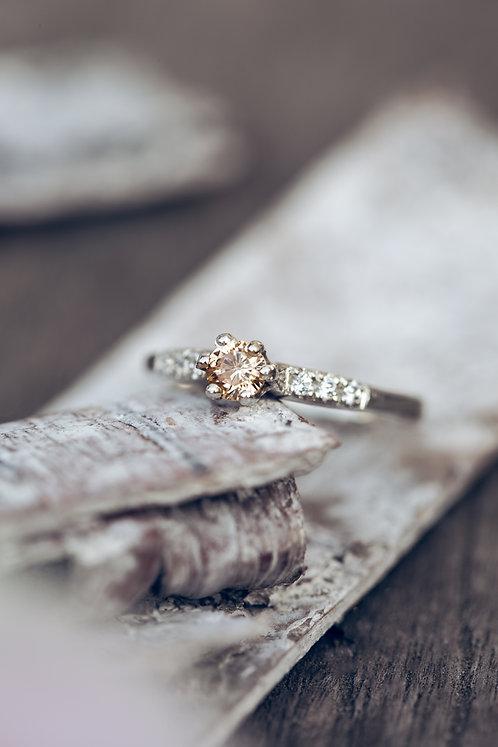 Sofia (Gele Saffier, diamant en 18K wit goud)