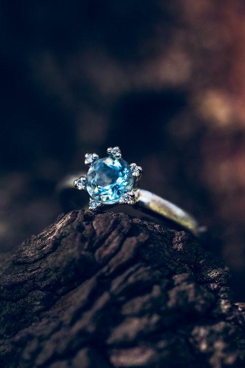 Ariella (Aquamarijn, diamant en 18K wit goud)