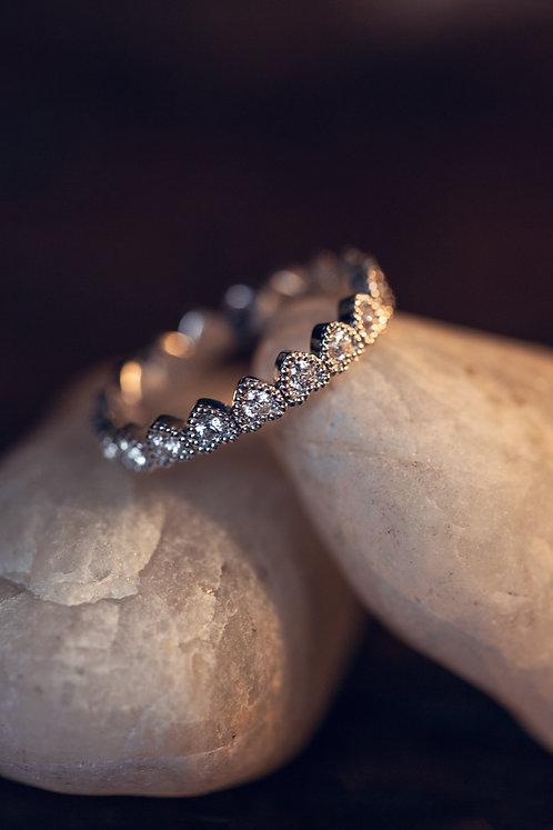 Adriana (18 karaat witgouden ring met 19 diamanten)