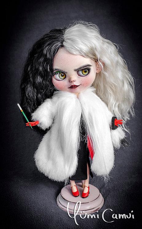 Custom Neo Blythe Cruella de Vil doll