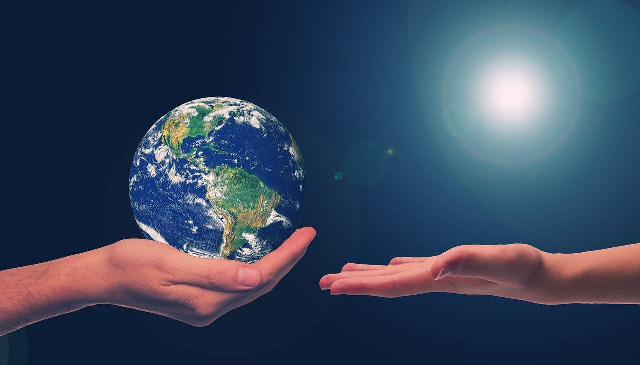 地球を手渡す