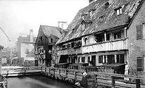 https://www.muenchenwiki.de/wiki/Datei:Am_Auermühlbach_Quellenstr_ca_1910.jpg