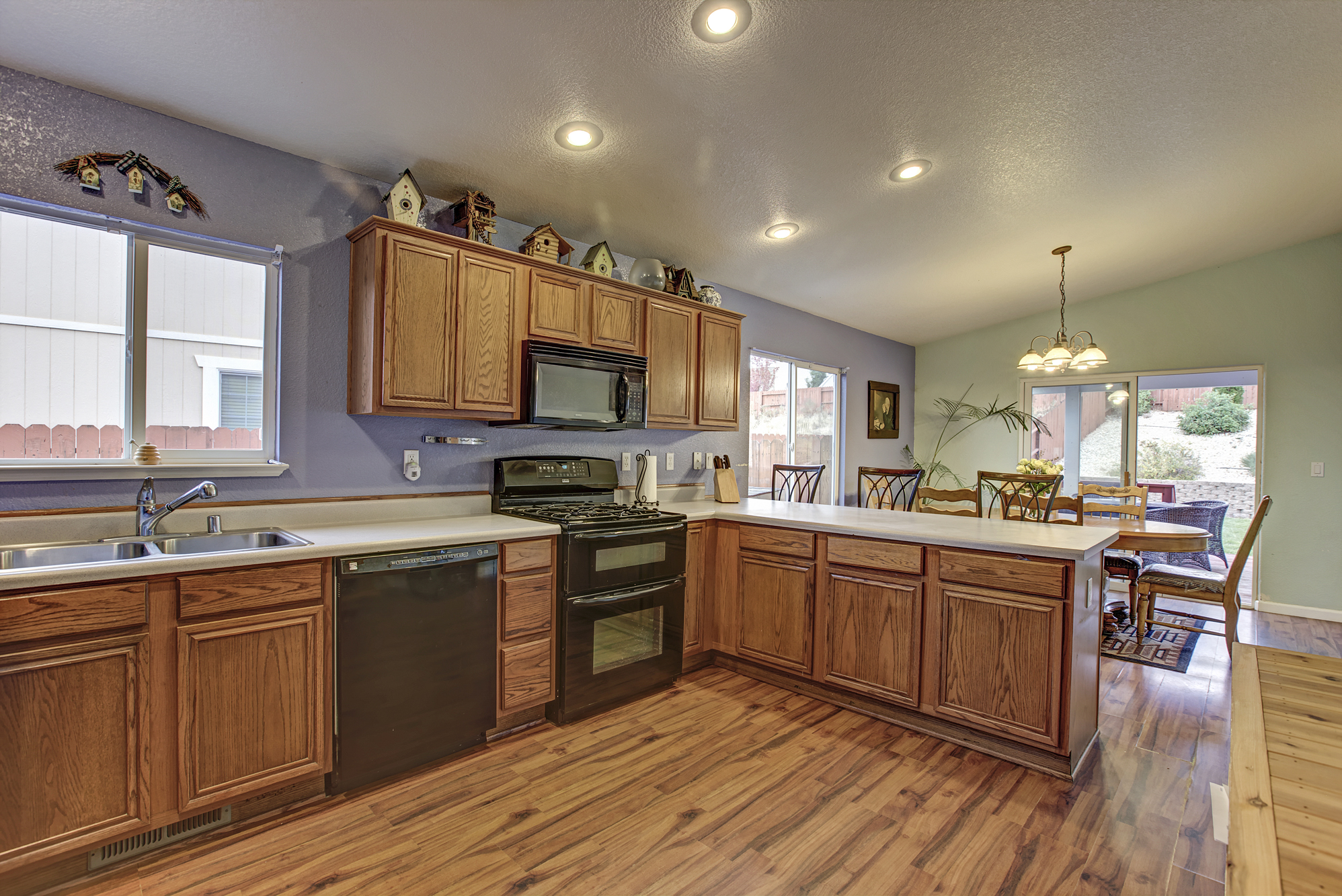 desertlakect17260-kitchen2