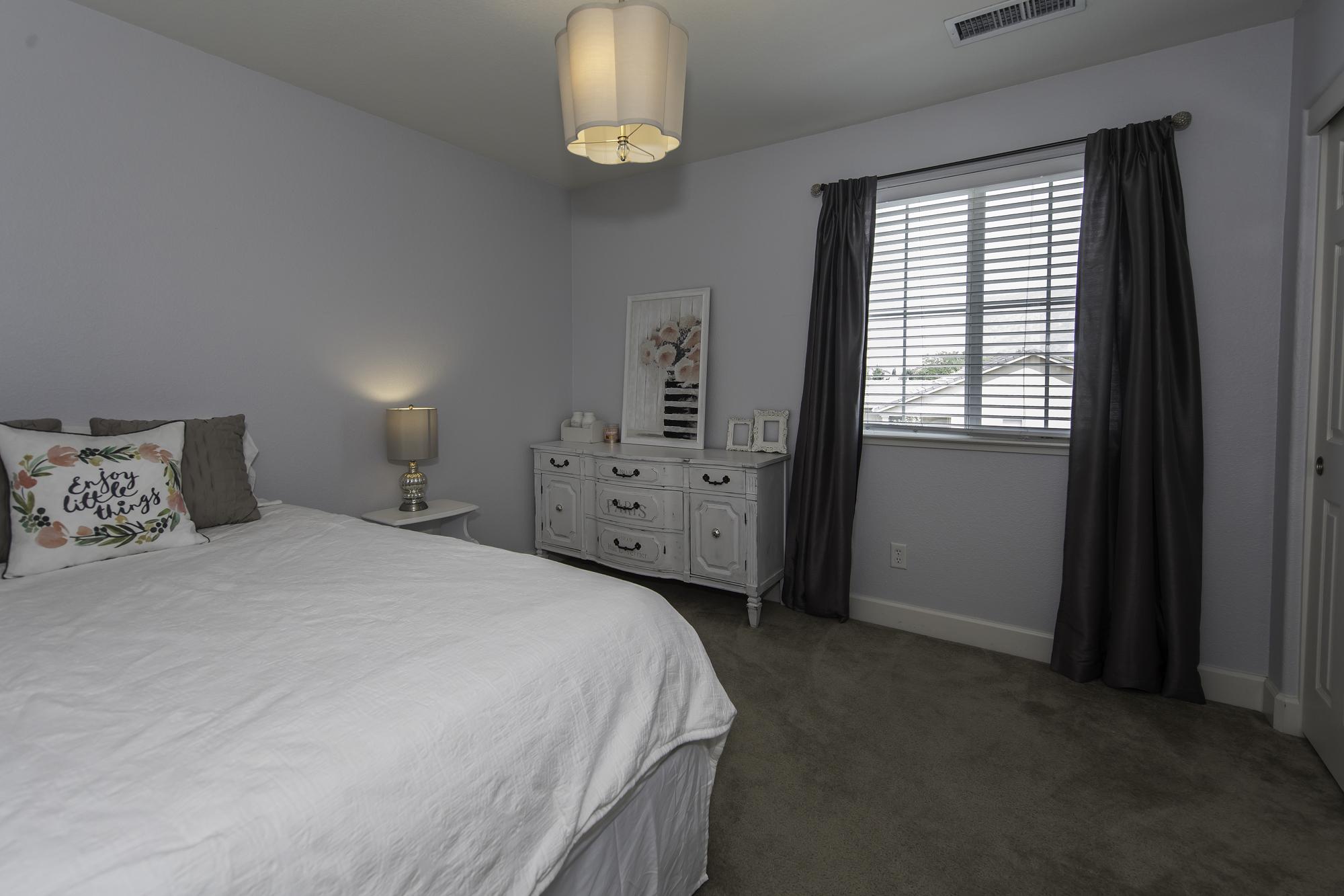 VerazaeDr11305-Room1