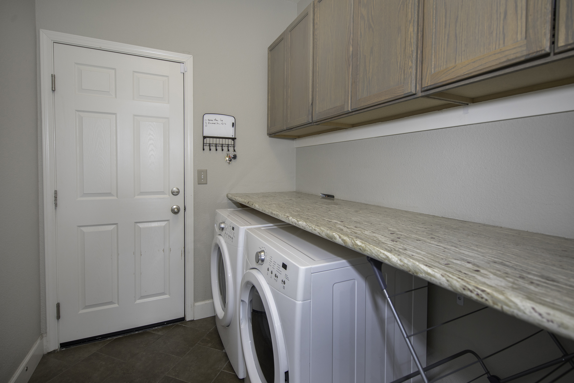 VerazaeDr11305-Laundry