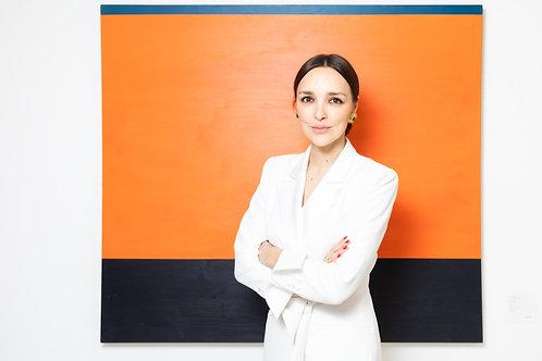 Алина Крюкова -предприниматель, основатель галерейного проекта a-s-t-r-a