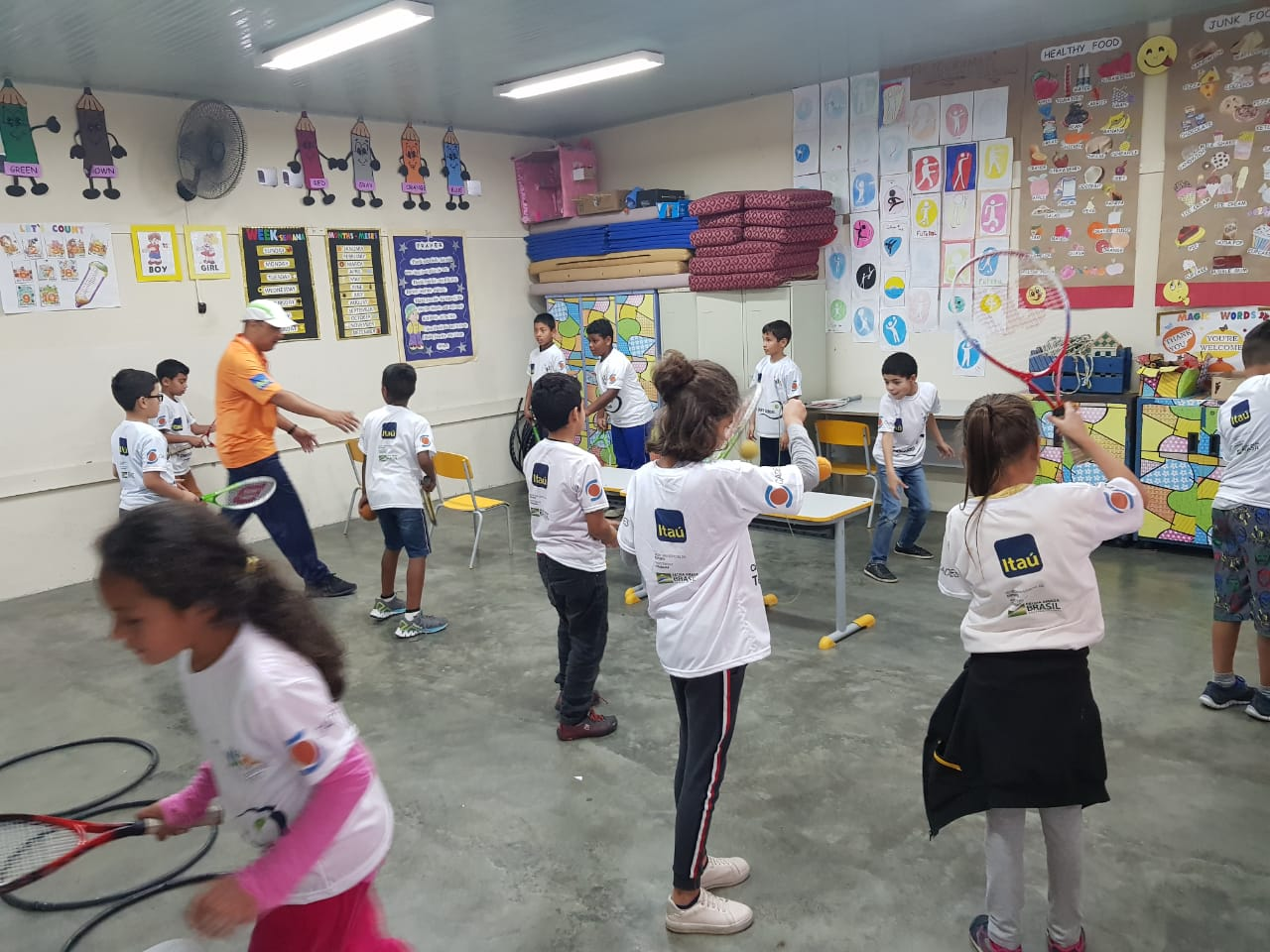 Tênis na sala de aula - Apiaí/SP