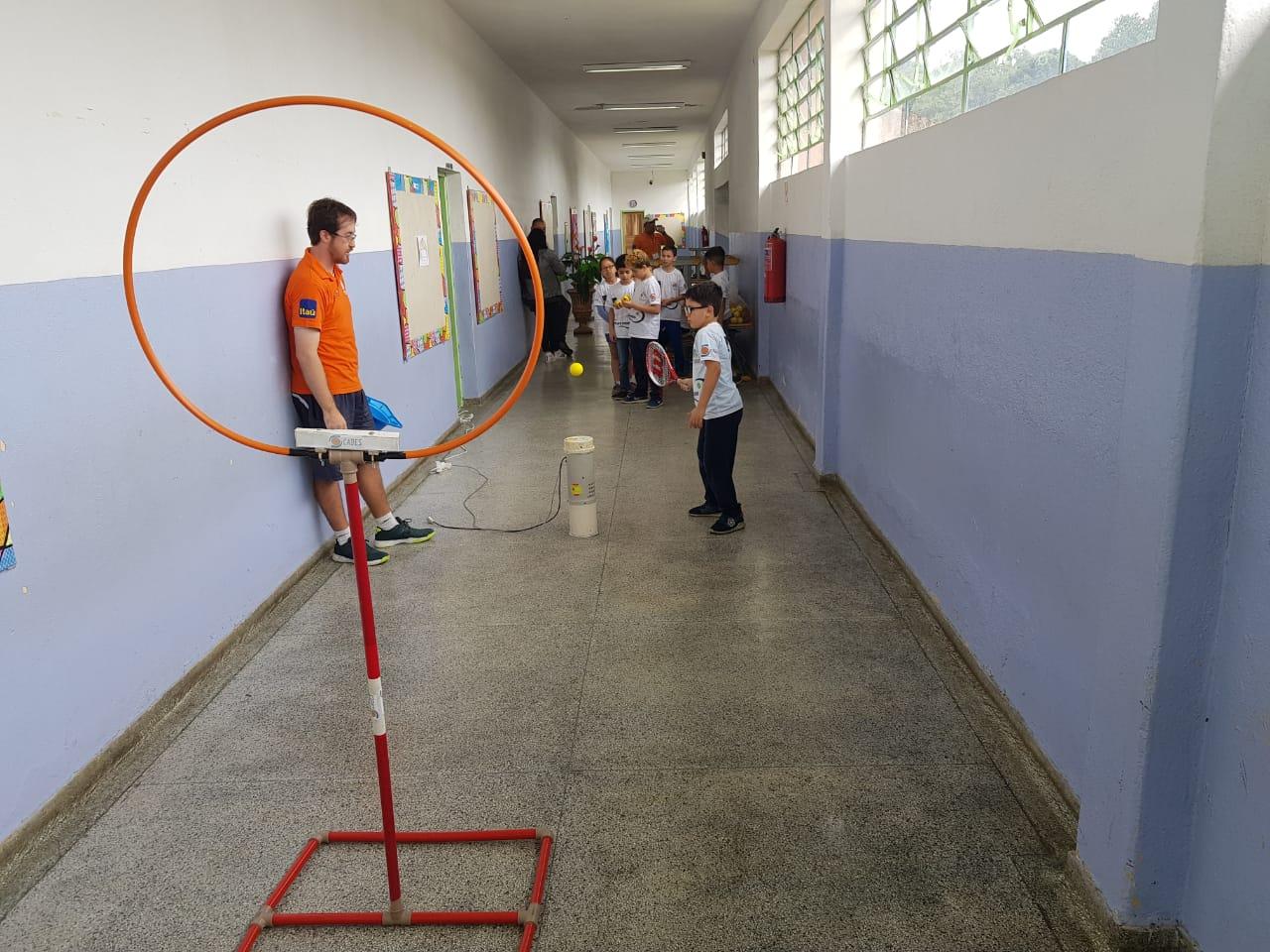 Tênis adaptado na escola - Apiaí/SP
