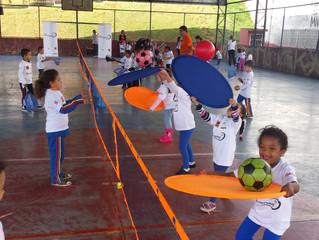 Que tal um bate-bola sobre esporte e crianças?