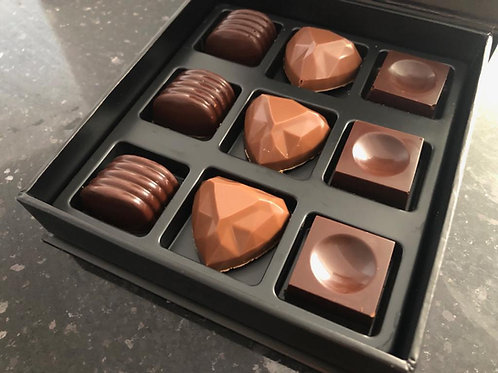 Artisan Pralines selection - 9pcs in lux box