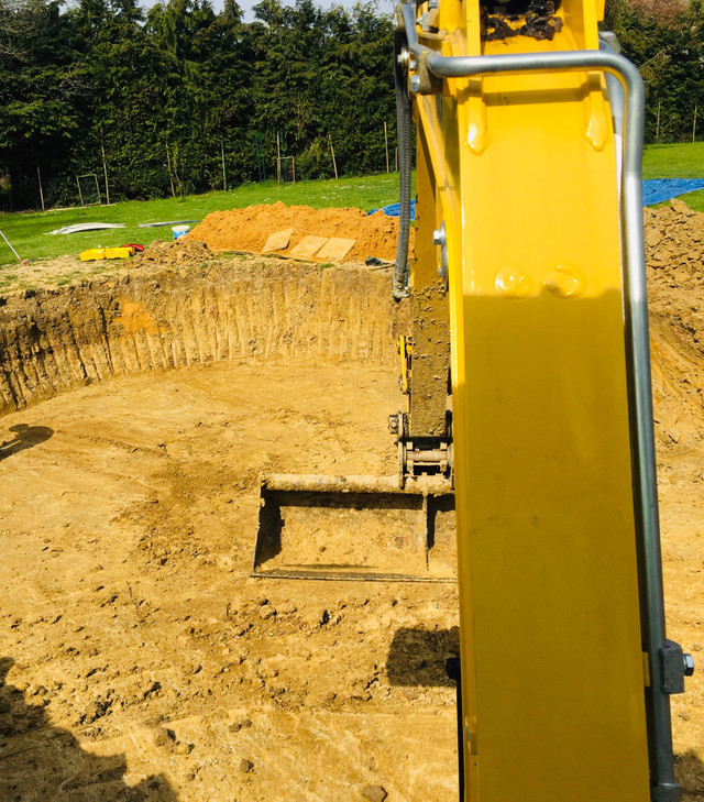 SPW_Digger Hire for Pool Base