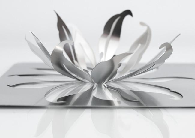 LilyFoldedDetail3.jpg