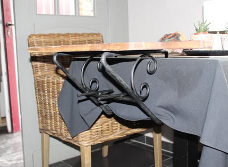 Aperitieftafel-hanger in smeedijzer voor restaurant.