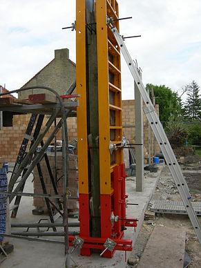 betonkolommen gieten met systeembekisting van Peri