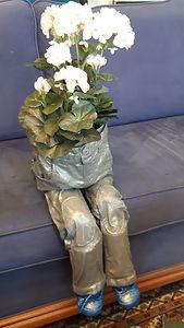 Nr. 208. Sittende blomster-kar.jpg