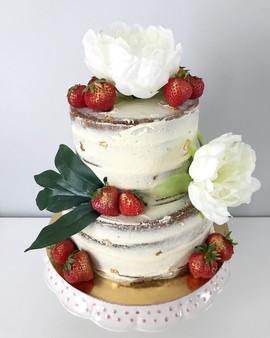 Wedding cake Naked cake, fraises et fleurs