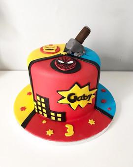 Gâteau Super héros de Gaby