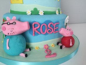 Gâteau Pepa Pig de Rose