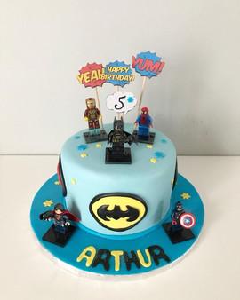 Gâteau Légo super héros de Arthur