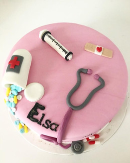 Gâteau Infirmière pour Elsa.