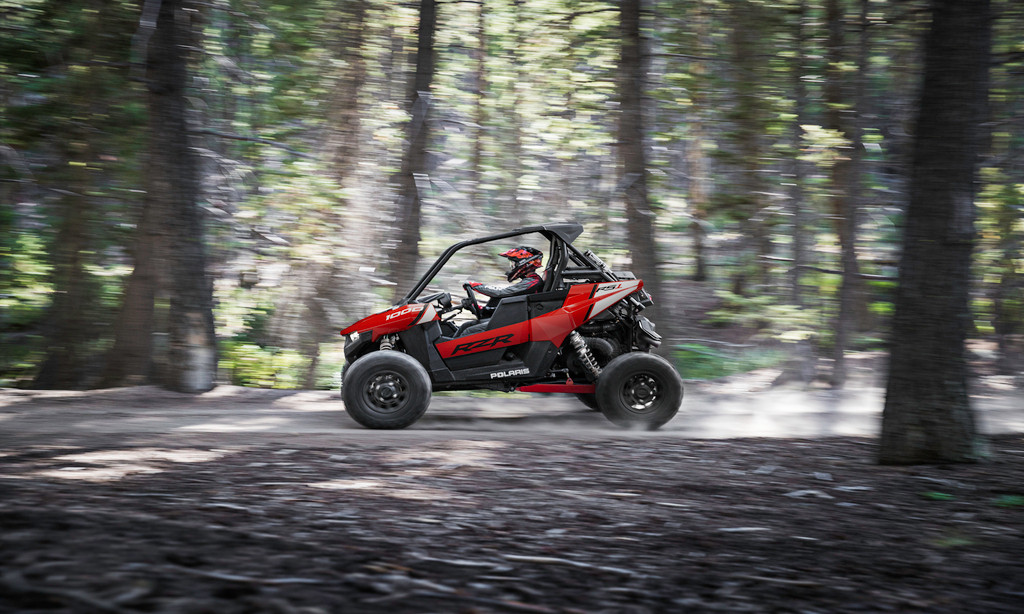 2021-rzr-rs1-indy-red_SIX6284_03074.jpg