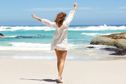 Sea_Summer_Pose_Rest_Sand_Legs_Brown_hai