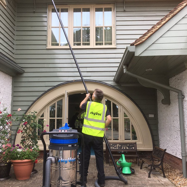 SkyVac Gutter Cleaning 85.jpg