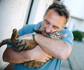 man hug cat.jpg