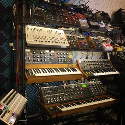 Synth & Effects Wall