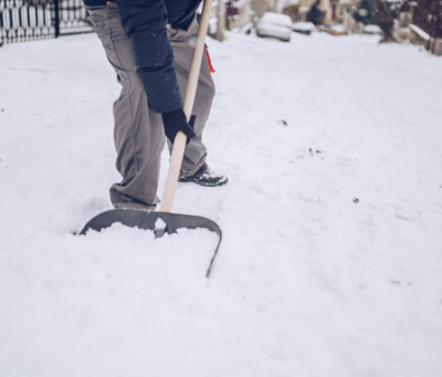 6 Tips for Shovelling Snow Properly (and 4 Things to Do Before You Start)