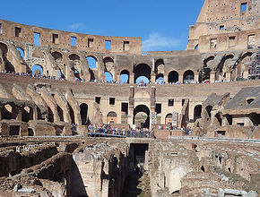 Interior do Coliseu, passeio com guia credenciada