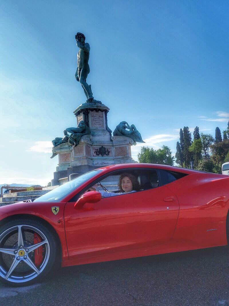 Pilotar uma Ferrari pelas colinas de Florença