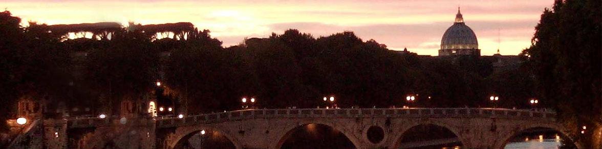 Roma de noite -ponte com vista São Pedro