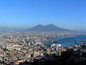 Vista sobre a baía de Nápoles, passeios personalizados com guia em português