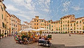 Praça do Anfiteatro, Guia particular em Lucca