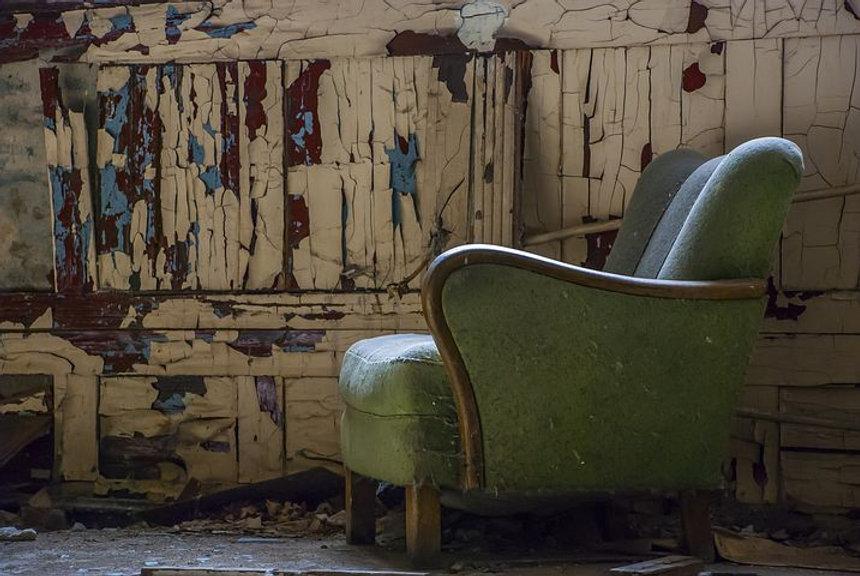 armchair-5604825__480.jpg