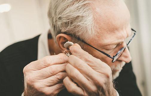 Dépistage surdité, adulte, test auditif, audiogramme, presbyacousie, acouphènes, potentiels évoqués auditifs