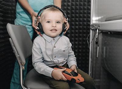 Dépistage surdité, enfant, test auditif, audiogramme, ASSR, potentiels évoqués auditifs