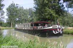 Prosperite Barge . -TITLE-01