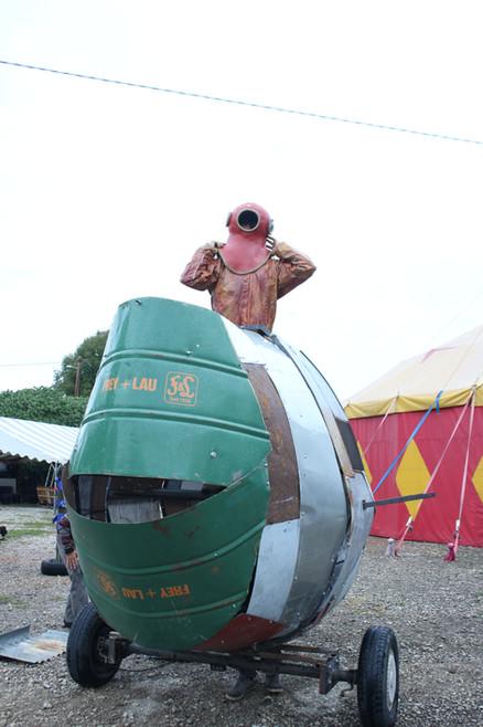 Résidence des Ateliers Parallèles pour la construction d'un poisson de métal géant, Lunatic #4