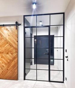 Drzwi loftowe ze szprosami