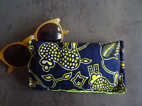étui wax lunettes téléphone portable accessoire fait main tissu africain classique