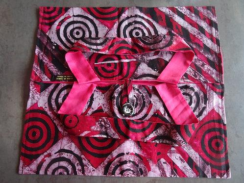 batik sac rouge rose géométrique wax sac à tarte